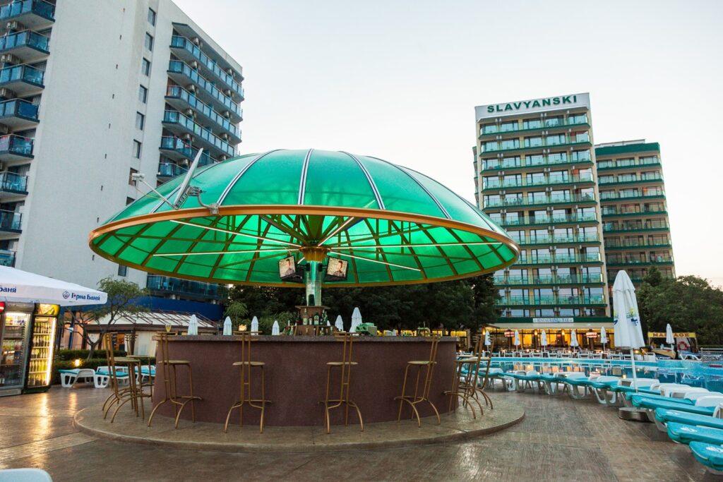 Poolbar at Hotel Slavyanski